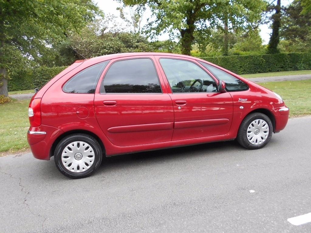 citroen xsara picasso in newmarket suffolk compucars. Black Bedroom Furniture Sets. Home Design Ideas
