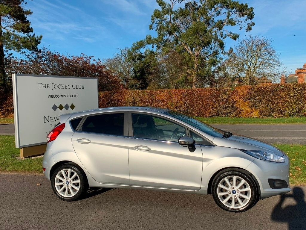 used Ford Fiesta T EcoBoost Titanium Powershift 5dr in newmarket-suffolk