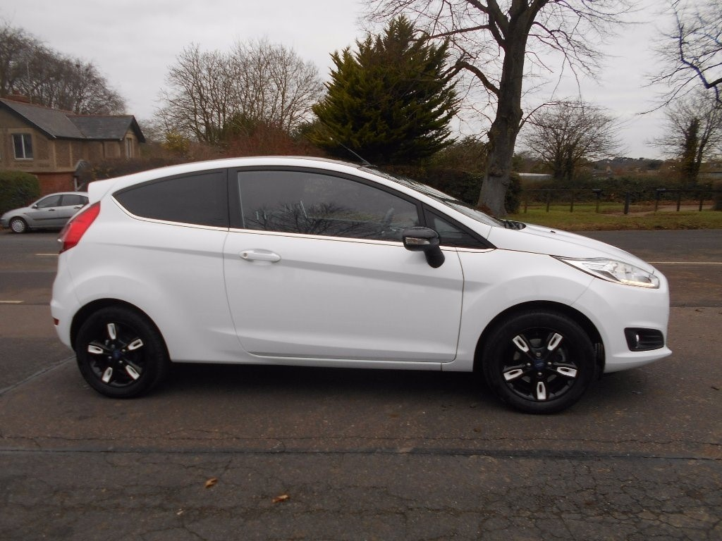Ford Fiesta Front Glass Price