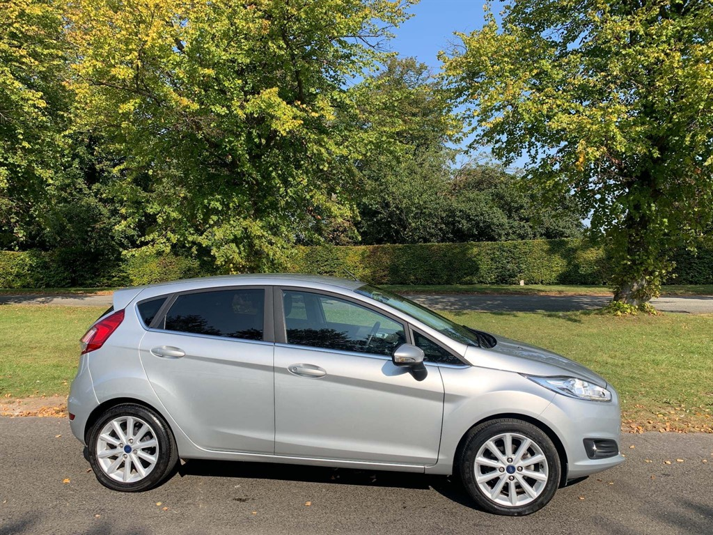 used Ford Fiesta T EcoBoost Titanium Powershift in newmarket-suffolk