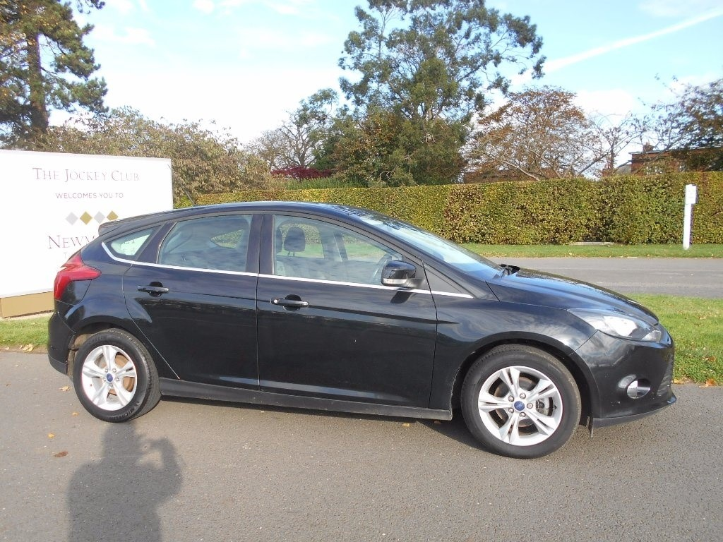 used Ford Focus Ti-VCT Zetec 5dr in newmarket-suffolk