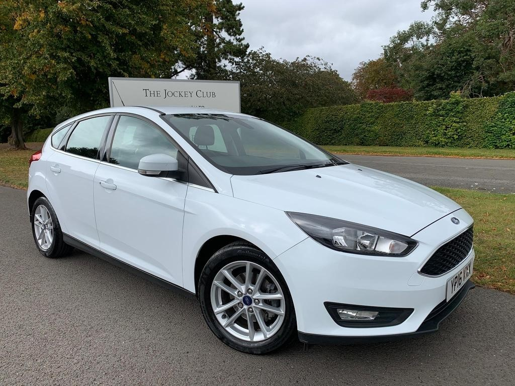 used Ford Focus Zetec Powershift 5dr in newmarket-suffolk