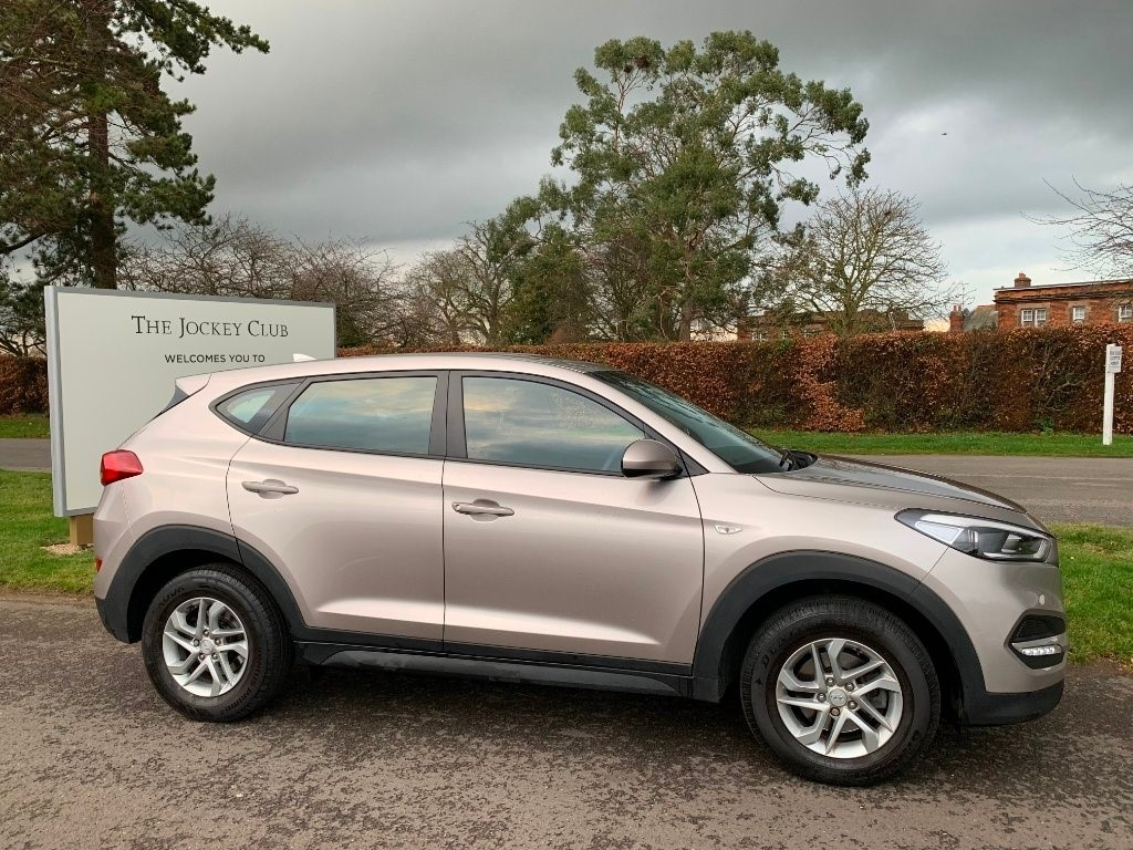 used Hyundai Tucson GDi Blue Drive S 2WD 5dr in newmarket-suffolk