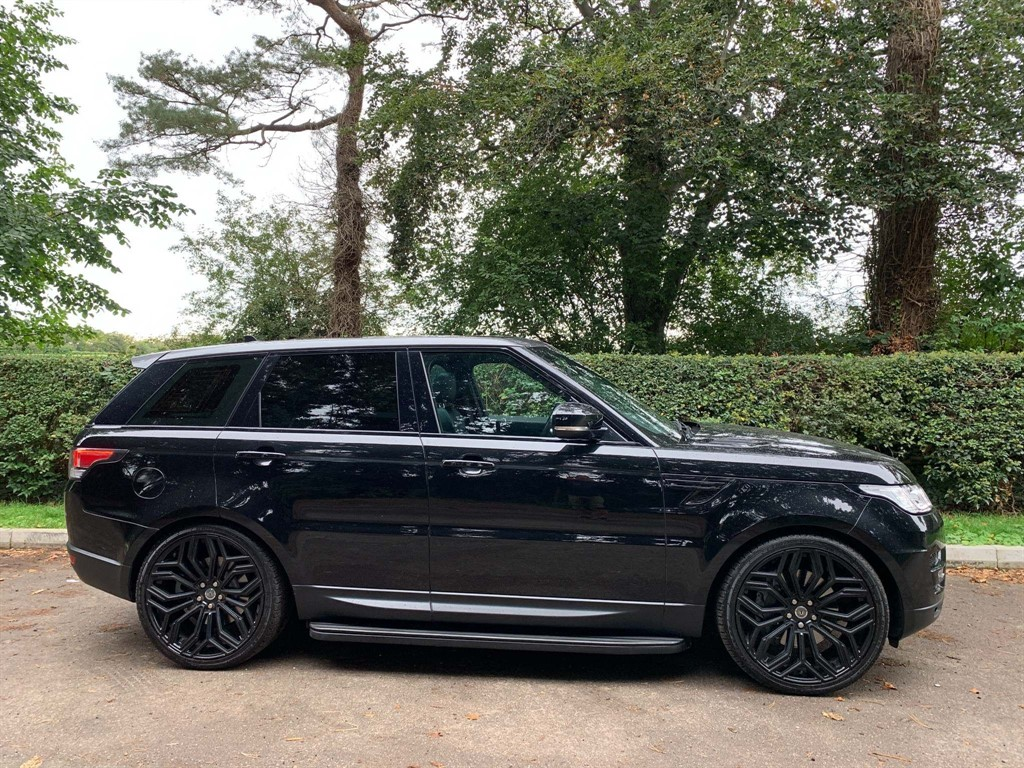 used Land Rover Range Rover Sport SD V6 HSE Dynamic 4X4 (s/s) in newmarket-suffolk