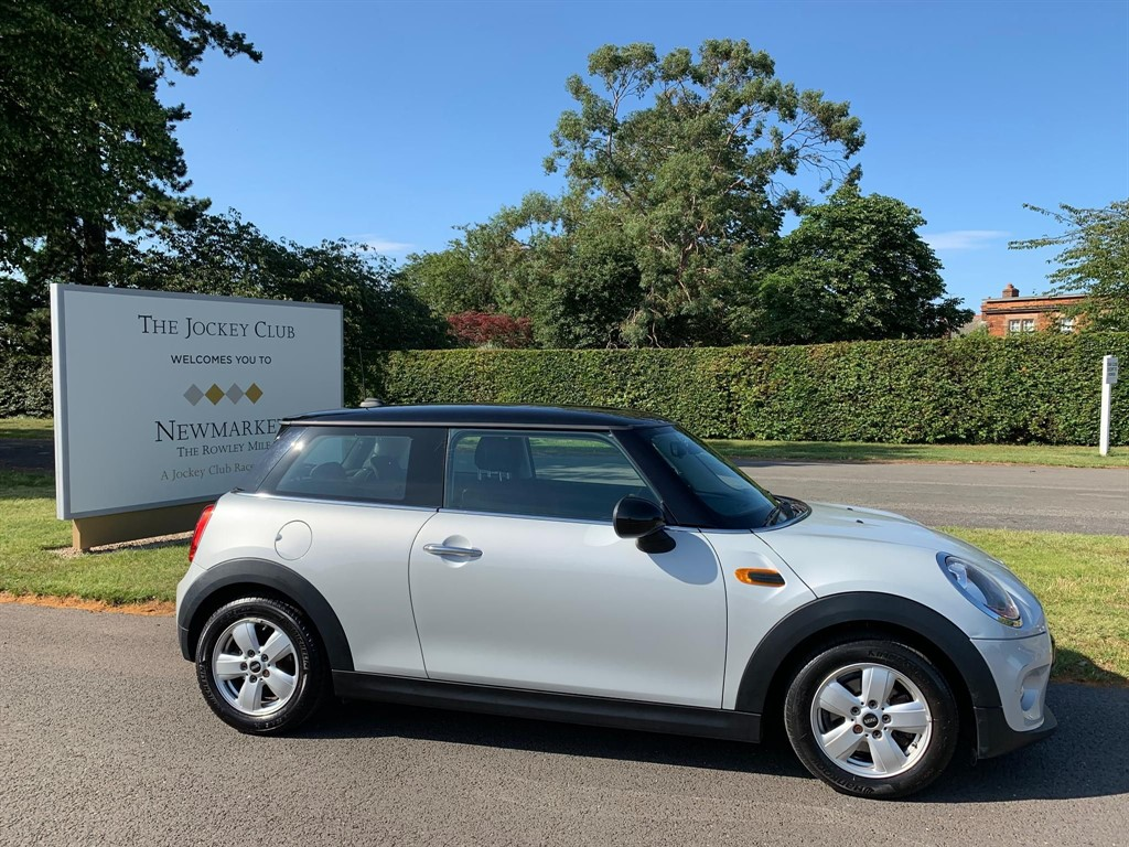 used MINI Hatch Cooper (s/s) 3dr in newmarket-suffolk