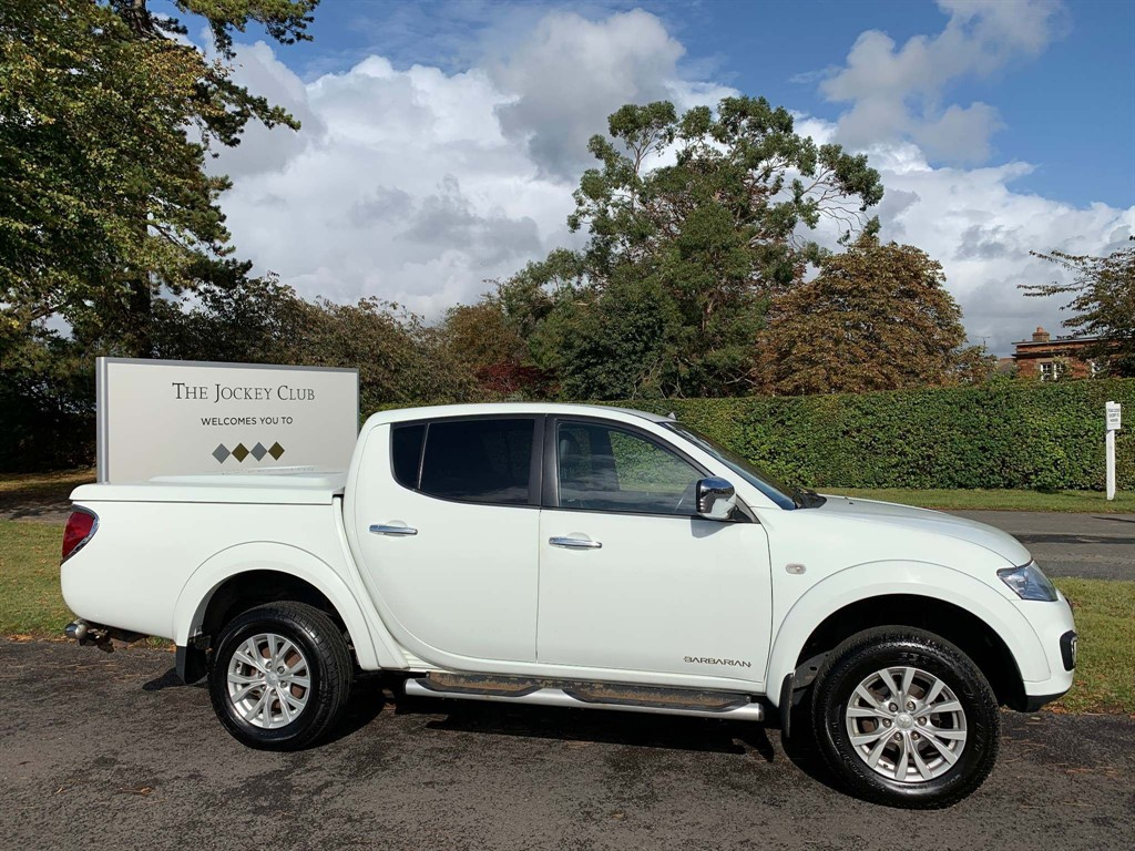used Mitsubishi L200 DI-D DC Barbarian Double Cab 4WD in newmarket-suffolk