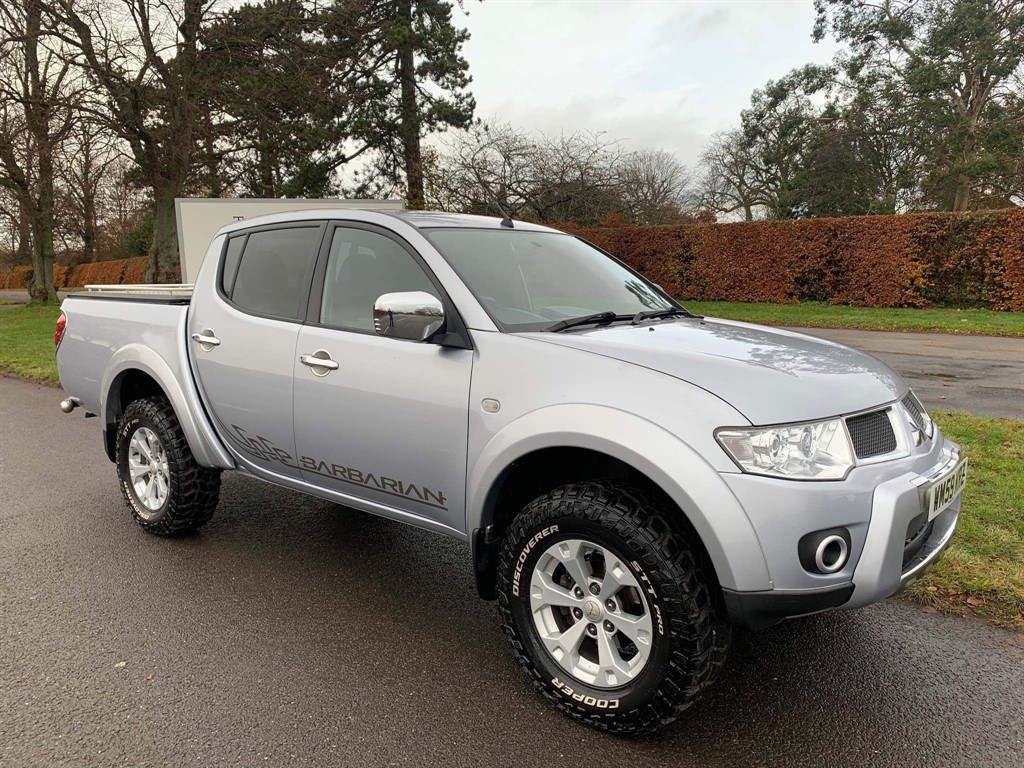 used Mitsubishi L200 DI-D CR Barbarian LB Double Pickup 4WD 4dr in newmarket-suffolk