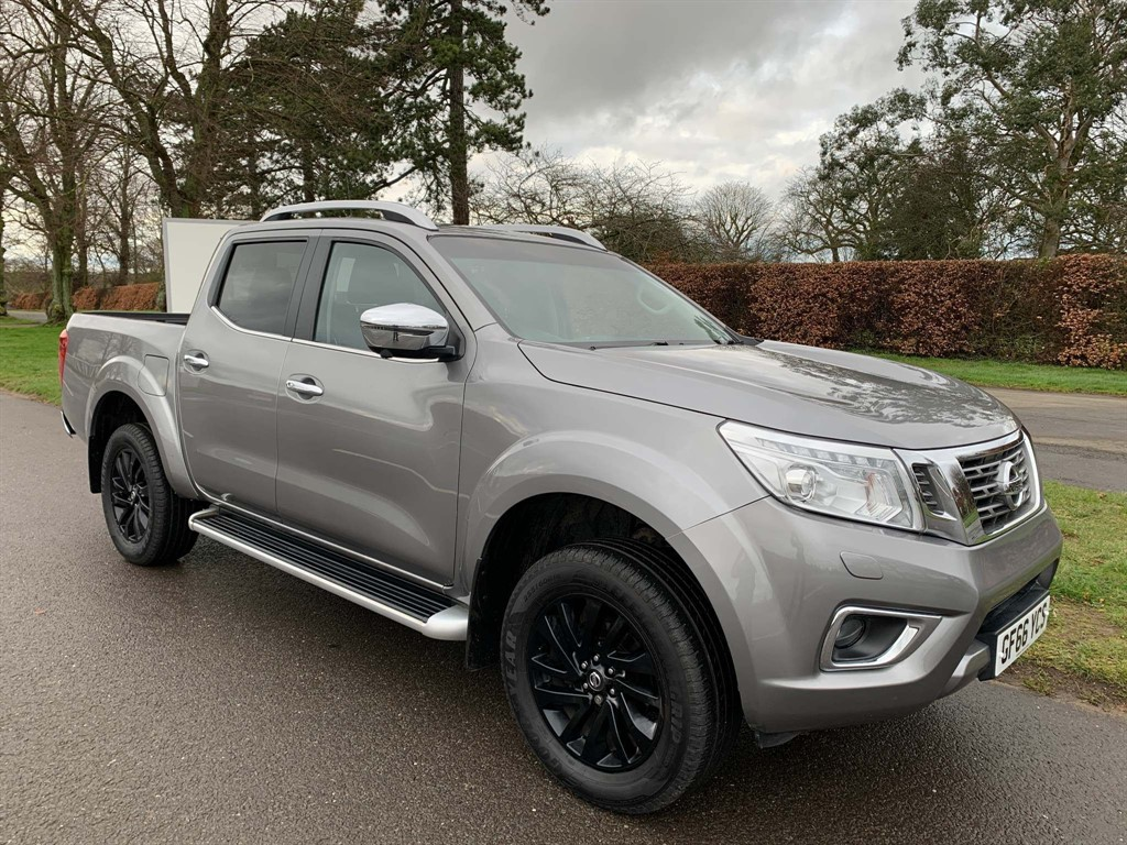 used Nissan Navara Tekna Double Cab Pickup Auto 4WD in newmarket-suffolk