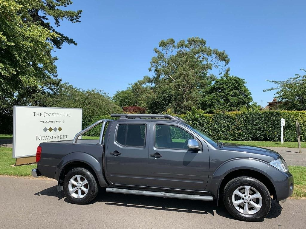 used Nissan Navara dCi Tekna Double Cab Pickup 4dr (EU5) in newmarket-suffolk