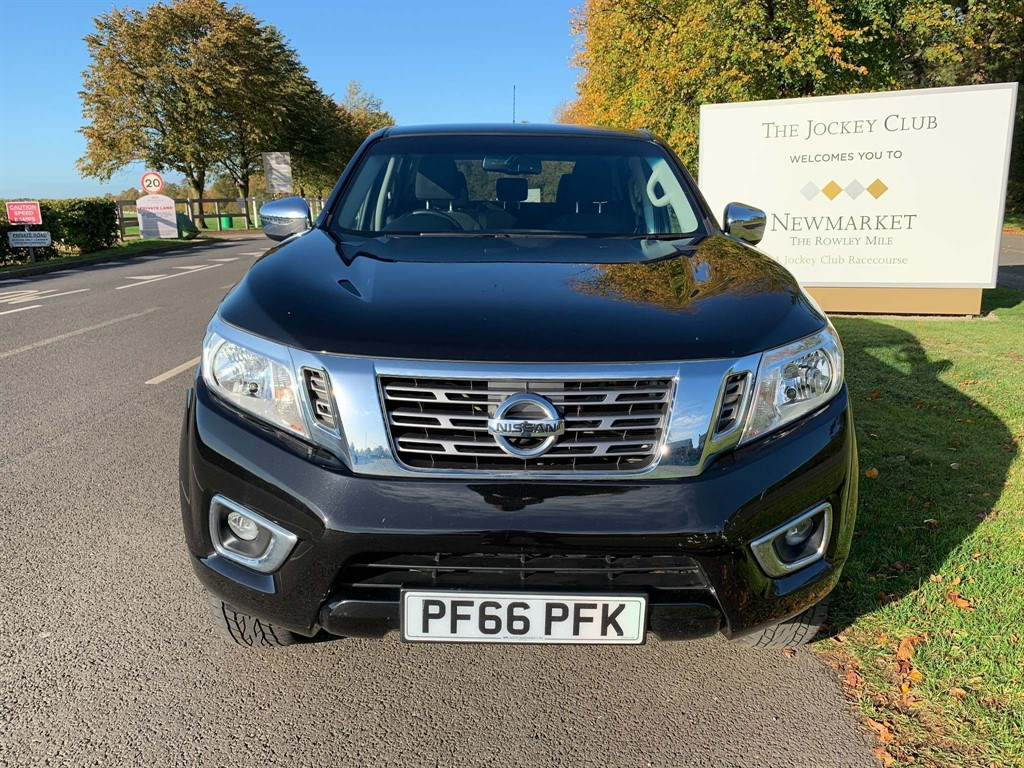 used Nissan Navara dCi N-Connecta Double Cab Pickup 4WD 4dr (EU6) in newmarket-suffolk