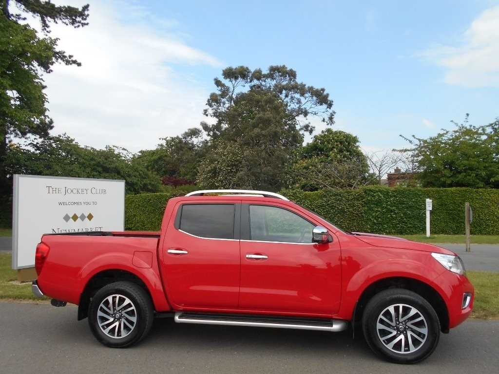 used Nissan Navara dCi Tekna Double Cab Pickup 4WD 4dr (EU6) in newmarket-suffolk