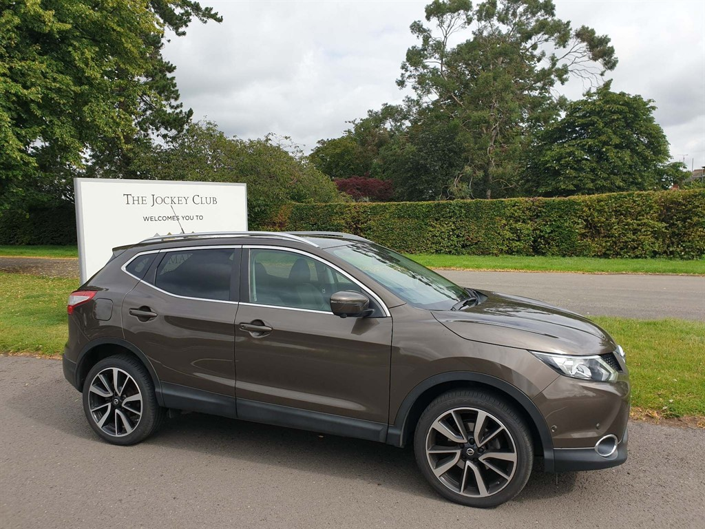 used Nissan Qashqai Tekna 4WD (s/s) in newmarket-suffolk