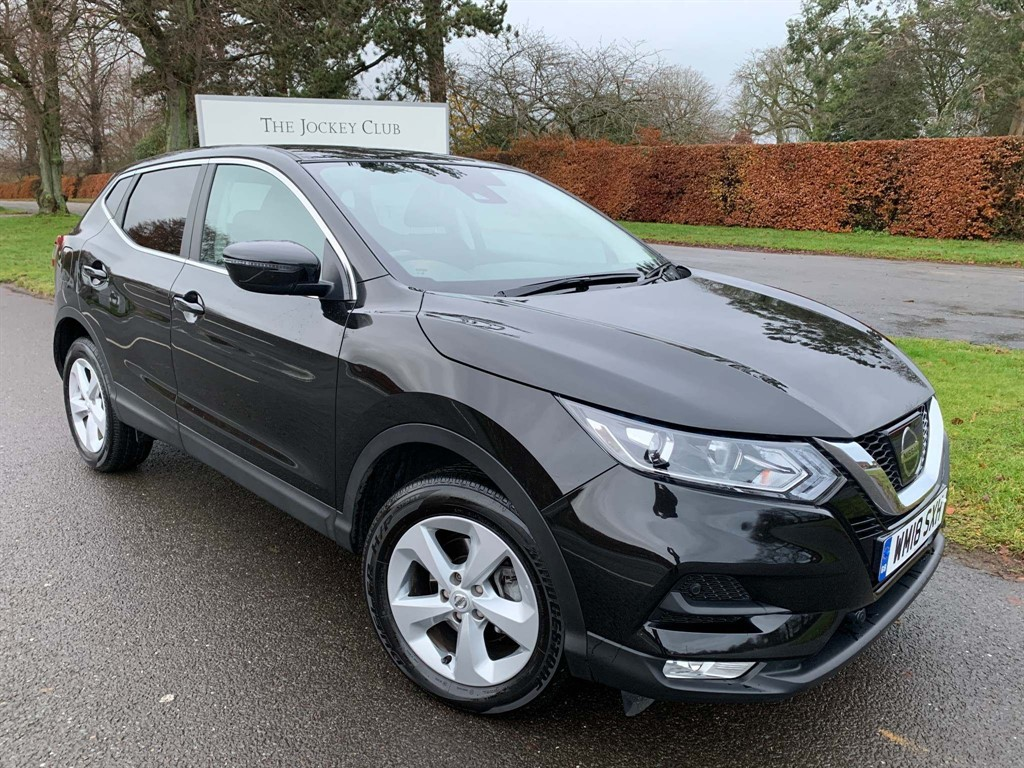 used Nissan Qashqai DIG-T Acenta (s/s) 5dr in newmarket-suffolk
