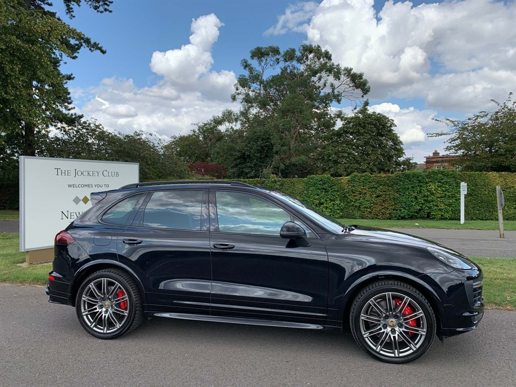 used Porsche Cayenne T GTS Tiptronic 4WD (s/s) 5dr in newmarket-suffolk