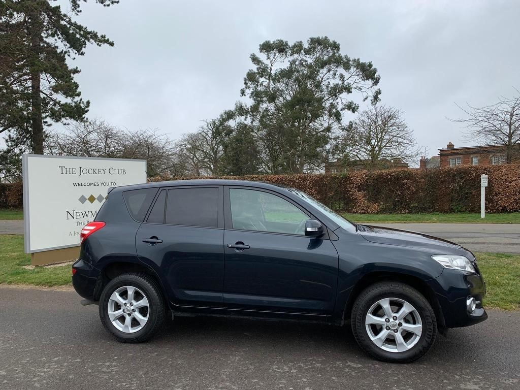 used Toyota RAV4 D-4D XT-R 5dr in newmarket-suffolk