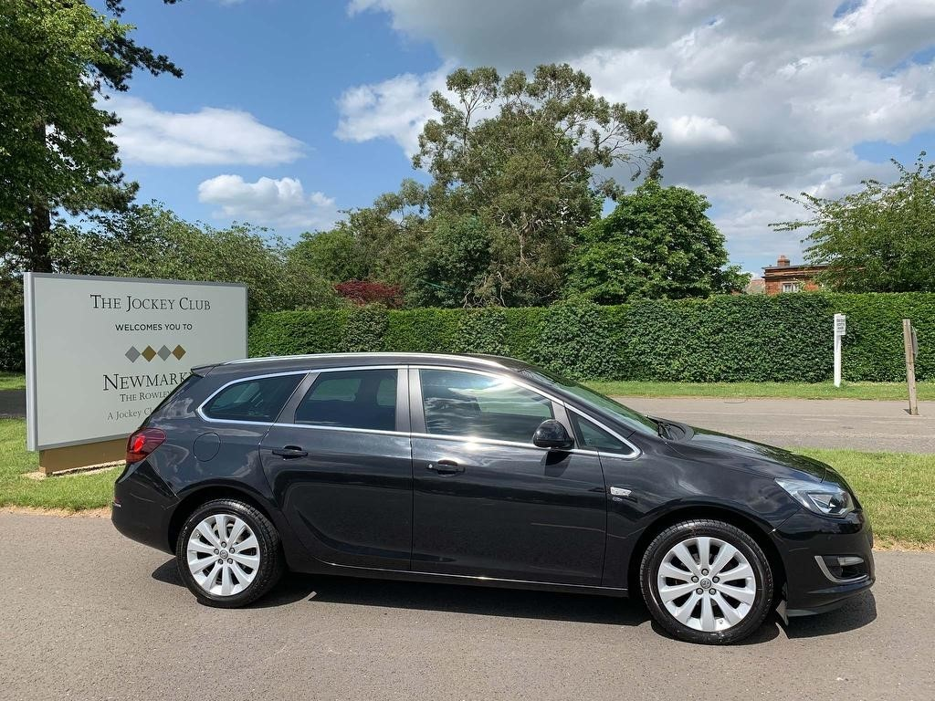 used Vauxhall Astra i Elite Sport Tourer 5dr in newmarket-suffolk