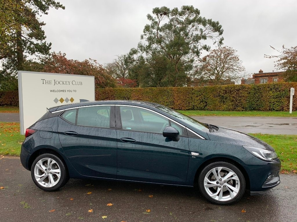 used Vauxhall Astra i Turbo 16v SRi Nav 5dr in newmarket-suffolk