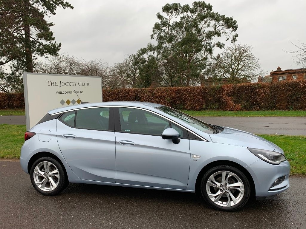 used Vauxhall Astra i Turbo 16v SRi 5dr in newmarket-suffolk