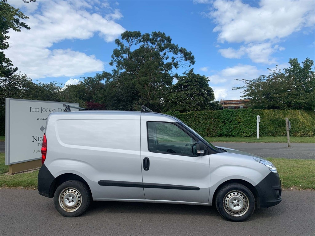 used Vauxhall Combo 2000 16v Panel Van L1 H1 (s/s) in newmarket-suffolk