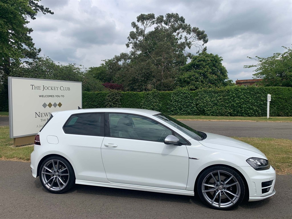 used VW Golf BlueMotion Tech R DSG 4MOTION (s/s) in newmarket-suffolk