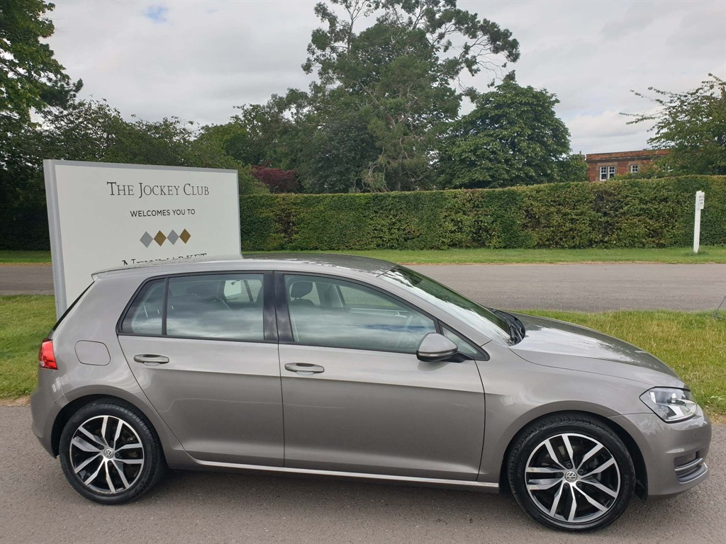used VW Golf BlueMotion Tech Match DSG (s/s) in newmarket-suffolk