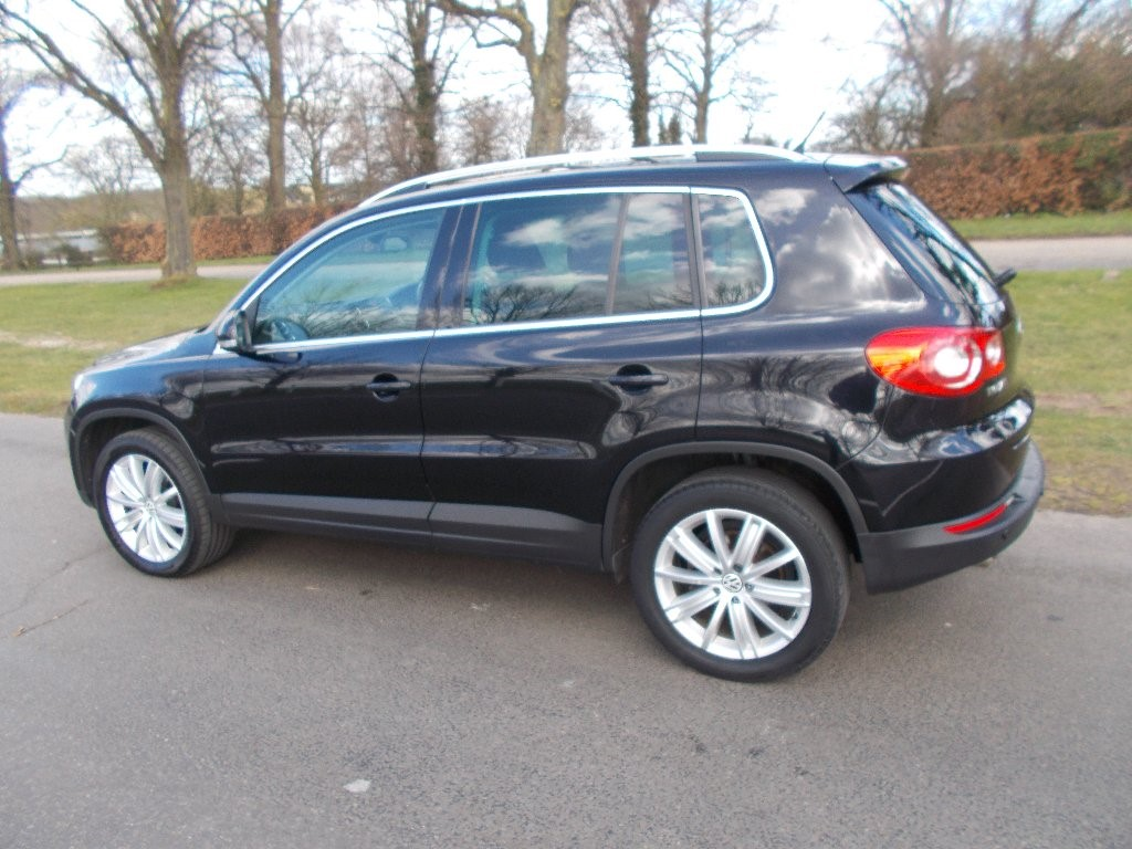 vw tiguan tdi sport tiptronic 4motion 5dr for sale. Black Bedroom Furniture Sets. Home Design Ideas