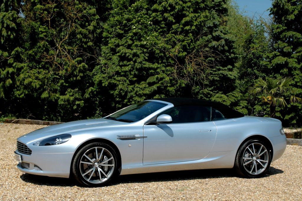 Used Silver Lightning Aston Martin DB For Sale Nottinghamshire - Aston martin db9 for sale