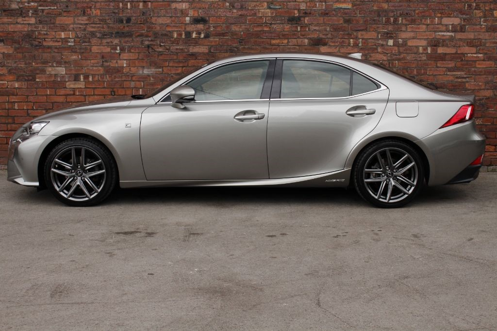 used sonic titanium lexus is 300h for sale west yorkshire. Black Bedroom Furniture Sets. Home Design Ideas