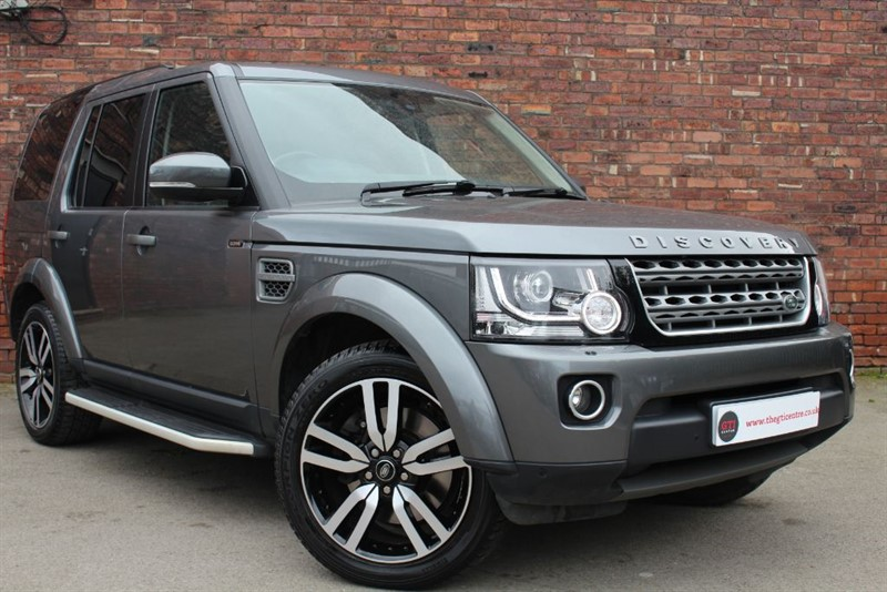 used Land Rover Discovery SDV6 SE TECH in huddersfield