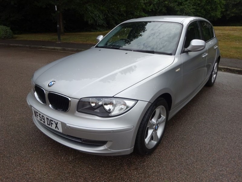 used BMW 118d SPORT LOOK @ THE MILEAGE. in west-sussex