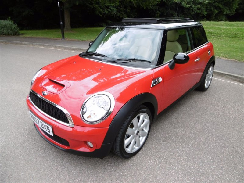 used MINI Hatch COOPER S LOOK @ THE MILEAGE  in west-sussex