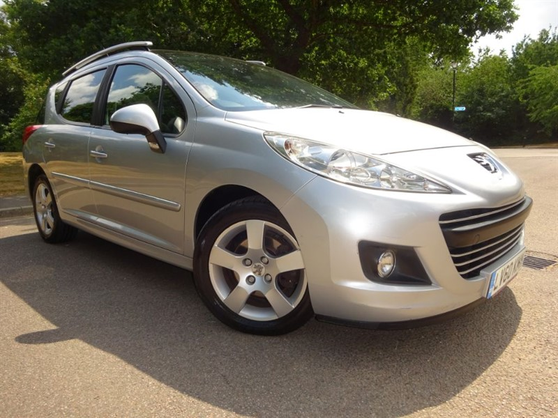 used Peugeot 207 HDI SW SPORT FULL PEUGEOT SERVICE HISTORY in west-sussex