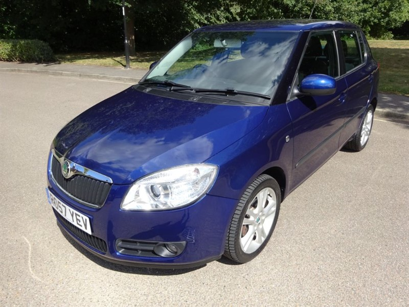 used Skoda Fabia LEVEL 3 16V 1 OWNER FULL SERVICE HISTORY in west-sussex