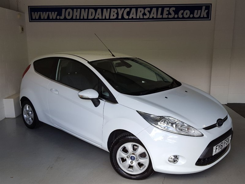 used Ford Fiesta 1.6 TDCI Titanium Econetic 3 Door 1 OWNER in in-lincolnshire