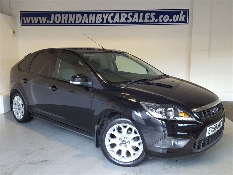used Ford Focus 1.6 Zetec 5 Door SPORT PACK & B/TOOTH in in-lincolnshire