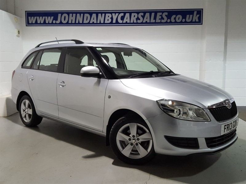 used Skoda Fabia 1.2 SE TSI 5 Door Estate VERY LOW MILEAGE! in in-lincolnshire