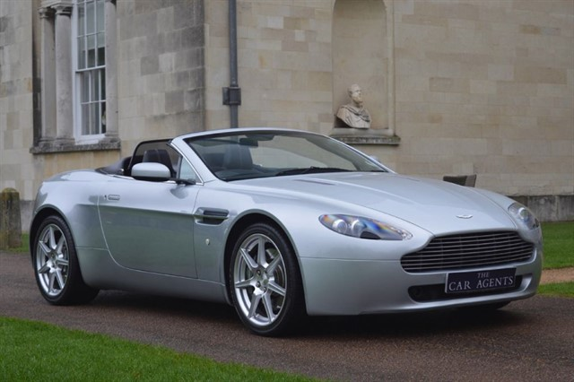 used Aston Martin Vantage V8 ROADSTER in hitchin-hertfordshire