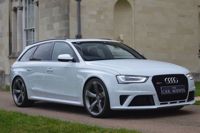 used Audi RS4 AVANT FSI QUATTRO in hitchin-hertfordshire