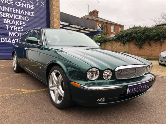 used Jaguar XJ TDVI SOVEREIGN in hitchin-hertfordshire