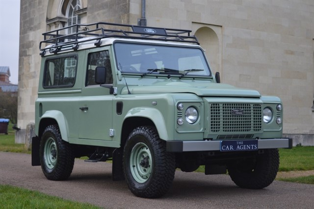 used Land Rover Defender TD HERITAGE STATION WAGON - CLICK & COLLECT or FREE DELIVERY in hitchin-hertfordshire