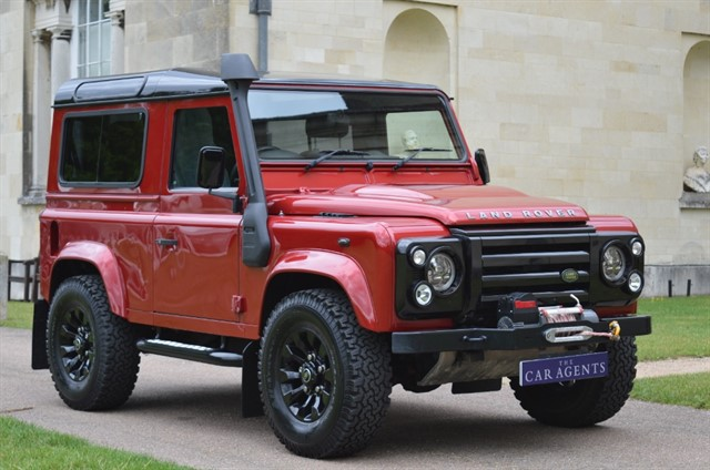 used Land Rover Defender 90 TD XS STATION WAGON in hitchin-hertfordshire