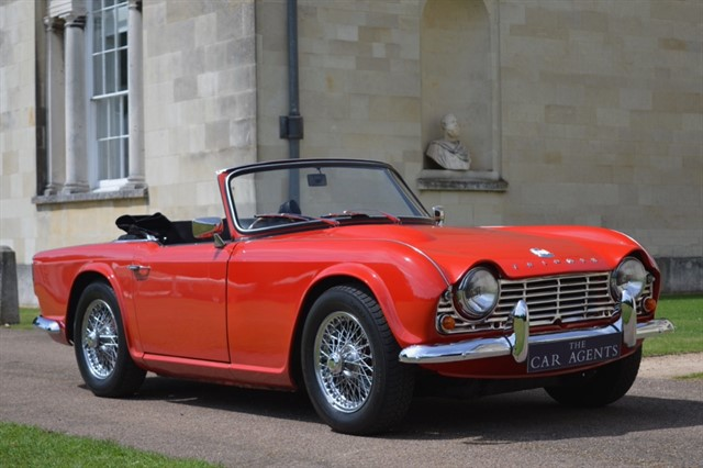 used Triumph TR4 Convertible -FREE NATIONWIDE DELIVERY in hitchin-hertfordshire