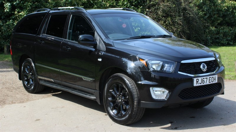 used Ssangyong Musso 2.2D EX AUTO in virginia-water
