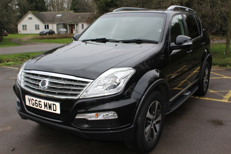 used Ssangyong Rexton 2.2D ELX AUTO in virginia-water