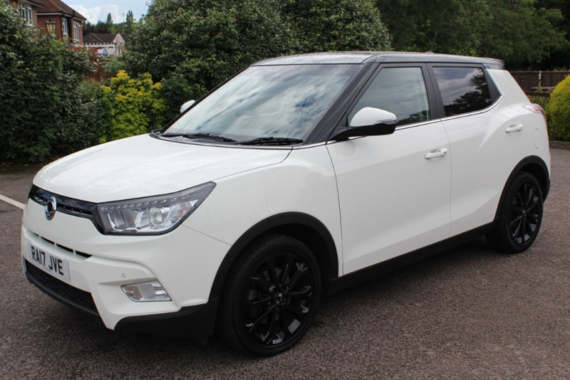 used Ssangyong Tivoli 1.6 ELX AUTO STYLE PACK in virginia-water
