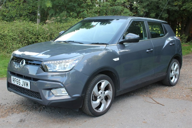 used Ssangyong Tivoli 1.6 EX AUTO in virginia-water