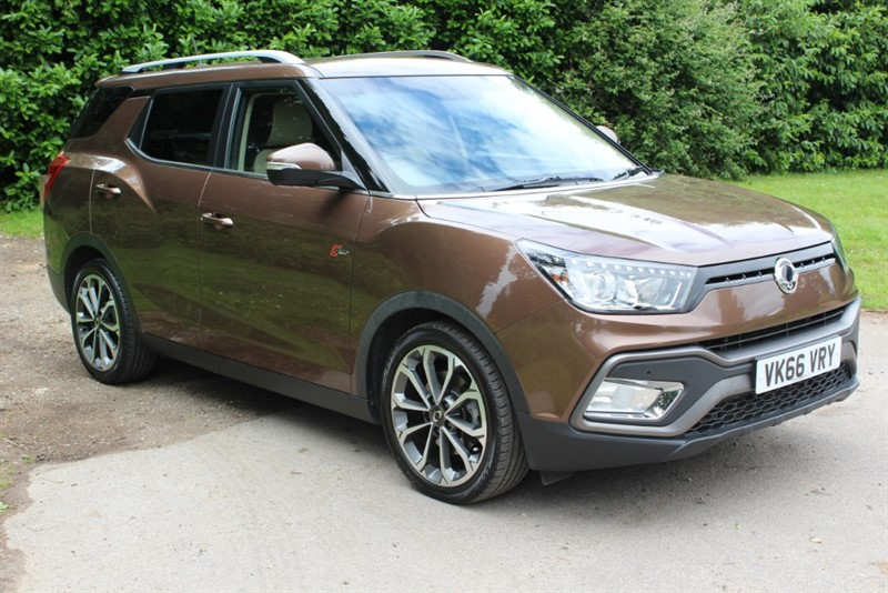 used Ssangyong Tivoli XLV 1.6D ELX 4X4 AUTO in virginia-water