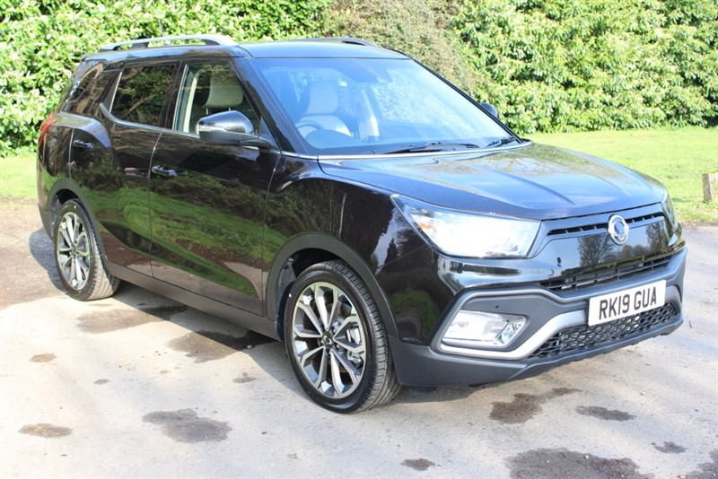 used Ssangyong Tivoli XLV 1.6 ULTIMATE in virginia-water