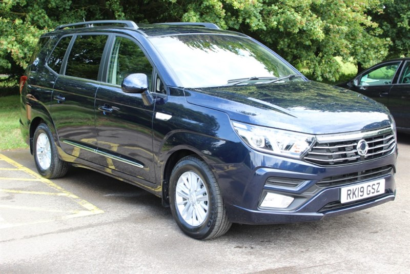 used Ssangyong Turismo 2.2D EX in virginia-water