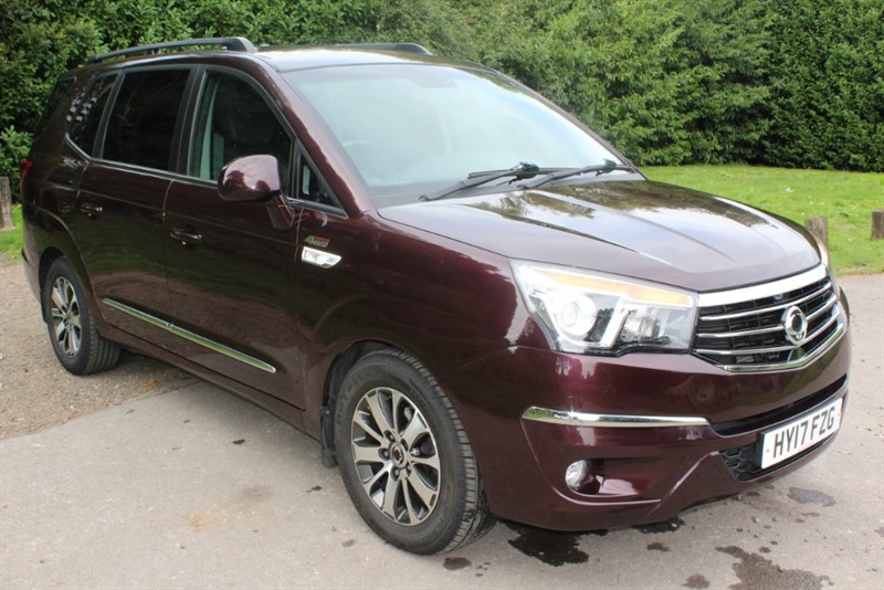 used Ssangyong Turismo 2.2D ELX AUTO 4X4 in virginia-water
